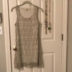 Ya Los Angeles Silver/White Lace Sequin Dress (M)